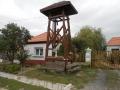 Harangláb a faluban